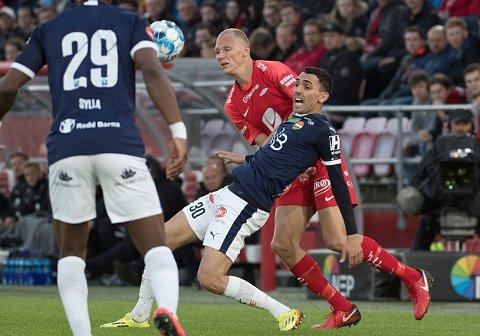 Mustafa Abdellaoue står med tre seriemål for Strømsgodset hittil denne sesongen.   Foto: Marit Hommedal / NTB scanpix