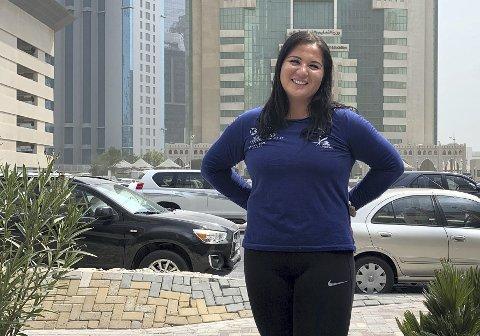 Bergenseren Beatrice Llano er den første norske utøveren som skal i aksjon under friidretts-VM i Doha. Hun starter kvalifisering fredag ettermiddag, men en hofteskade gjør at 21-åringen ikke tror at hun kommer til finalen søndag. FOTO: KNUT SKEIE SOLBERG, NFIF