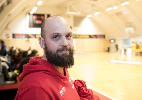 Frederik Gnatt mener det er avgjørende for utviklingen av norsk basket at en får en landsdekkende 1. divisjon.