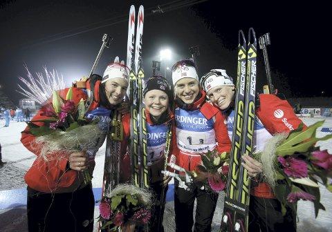 I 2013 tok en ung Hilde Fenne (nr. 2 fra venstre) VM-gull sammen med Ann Kristin Flatland, Synnøve Solemdal og Tora Berger. – Det var nok karrierens høydepunkt, og oppsummerte karrieren min også: Jeg var best når det var stafett, men fikk det aldri helt til individuelt, sier Fenne. Arkivfoto: NTB