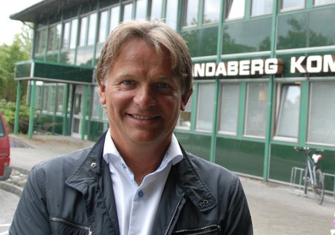 Ser forbi kommunegrensene: Kommunedirektør Magne Fjell har innledet samtaler med naboene Kvitsøy og Sola om ikke et vertskommunesamarbeid om NAV-kontorene kan være en god ide.