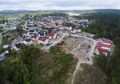Utbyggingen av Østmarkskollen ble vedtatt i 1999. Siden har det ikke blitt bygget ut noen store områder i Enebakk.