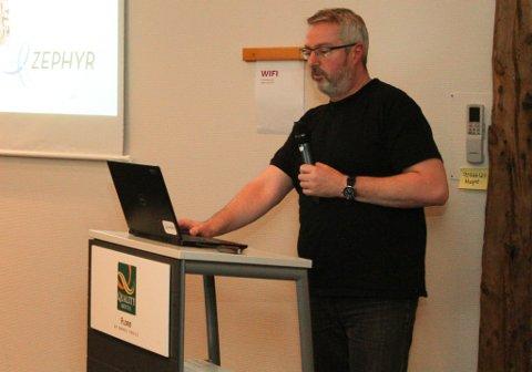 Prosjektleiar Arild Fjelldal, Zephyr, på FIN's møte  onsdag 27. november.