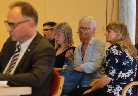 PÅ TILHØYRARBENKEN: Barnehagekonsulent Runa Nybakk, barnehagestyrar Kari Berge (Nepjarhaugen) og barnehagestyrar Gro Hovland (Nyheimvegen).