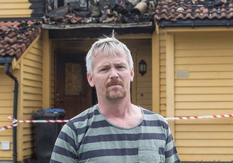 NABO: Bjarte Lillehauge er styreleiar i sameiget der det tok til å brenne natt til torsdag.