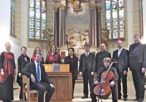 Storfint besøk: Østre Fredrikstad kirke får i kveld besøk av ti sangere fra operaen i Dresden. Caro Canto skal blant annet synge lokal musikk, signert Jon Mostad