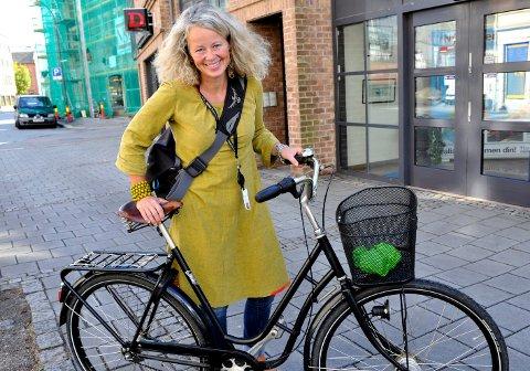 TAR OVER: Anne Skauen skal drive strikkeprosjektet Ull & Omtanke i Fredrikstad.