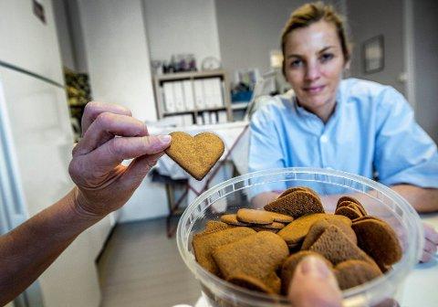 Pass på: Tannlege og tannlegepresident Camilla Hansen Steinum advarer mot småspising i førjulstiden.