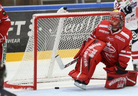 AVGJØRELSEN: Her slipper Tommy Johansen inn 3-4 målet åtte sekunder etter at Stjernen pådro seg en utvisning. FOTO: SOFIE ALEXANDRA KITTERØD