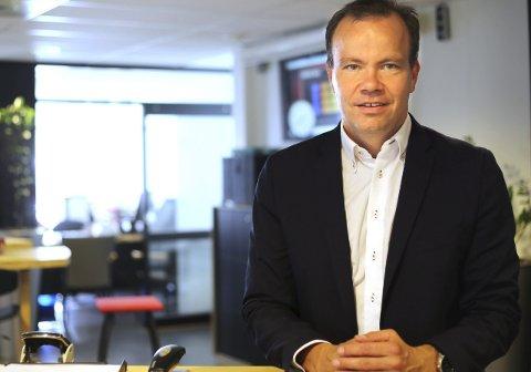 - Noen må betale lånet som er tatt opp også til Hålogalandsbrua, fastslår fylkesrådsleder Tomas Norvoll. Han mener at saken om elbilavgift og betalingstak på brua må sees som to helt atskilte saker.