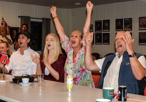MEDALJEJUBEL: Kjell Borch(f.h.), Torild Borch, Lisa Borch og Tor-Herman Bjørndal kunne glede seg over en ny OL-medalje.