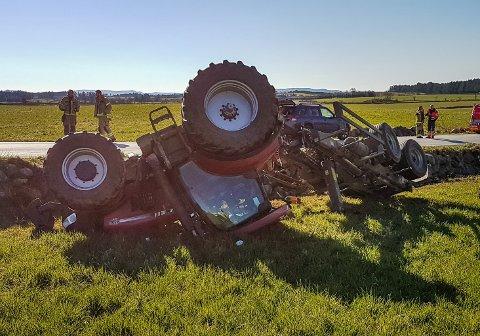 ULYKKE: Ailin Skårland Er fra Ålgård, men bor i dag på Orre. Hun har i ettertid av ulykken fått mange spørsmål om mobilbruk var årsaken til ulykken. Grunnen til at traktoren gikk over ende var at rattet låste seg, forteller hun.