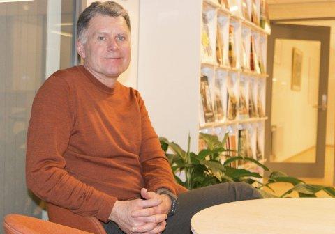 GIR SEG: Øystein Hanevik (55) ble innvalgt som representant for Miljøpartiet De Grønne (MDG) ved forrige kommunevalg, men er i dag leder i Kongsvinger SV – og sitter som uavhengig representant i kommunestyret. Arbeidssituasjonen gjør at han nå trekker både som folkevalgt etter høstens valg, og som partitillitsvalgt.