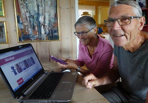 IVRIGE: – Vi er innstilt på å lære mest mulig om bruken, for  det meste må jo utføres på nett nå, sier Inga og Einar Helgesen etter å ha deltatt på kurs fra sentralt hold.
