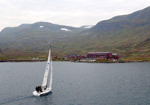 Testseiling: Bygdin blir arena for «Grundig Sailing Cup» i september 23.–24. september i år. Noe lignende har aldri vært arrangert så høyt til fjells før her i landet, ja kanskje ikke i verden heller. Her fra testseillingen i fjor. Foto: Kongelig Norsk Seilforening