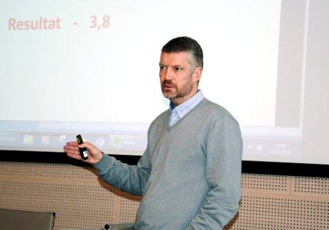 Administrasjonssjef Ola Helstad i Lom kommune er bekymret over økt beskatning av lokale kraftprodusenter, en beskatning som på sikt kan få negative konsekvenser for kommuneøkonomien.