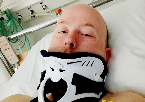 SKADD: Dagfinn Moen ble flydd til sykehus etter hendelsen 24. mars. Nå er bilføreren ilagt forelegg på 8.000 kroner.