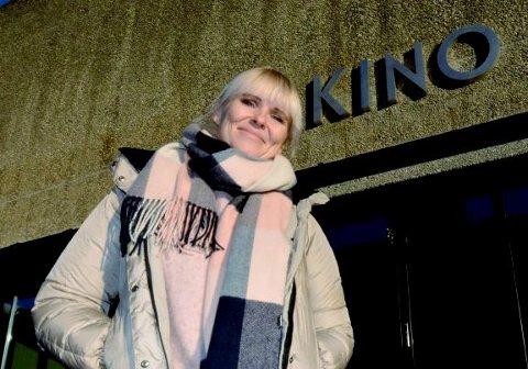Lillehammers kinosjef, Clarissa Bergh mener det er dypt urettferdig at kinoene i Hamar og Gjøvik fikk millioner i korona-støtte, mens Lillehammer fikk avslag.