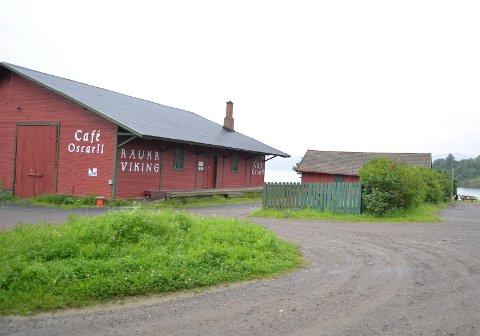 VIL HA DRIFT I SOMMER: Det er selskapet Nes Brenneri som drifter Café Oscar II i Røykenvik. Eierne sier de vil betale det de skylder slik at det kan bli drift også i sommer.