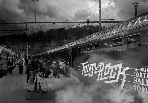 ROCKETOG: Til sommeren stiller Tons of Rock med eget tog mellom Trondheim og Halden. - Festivalen starter ombord, og dette er et miljøvennligf alternativ, sier festivalsjef Svein Bjørge.