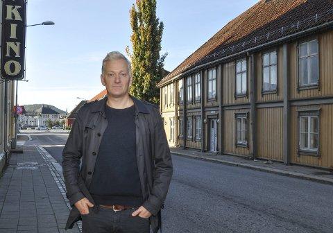 SVARER PÅ KRITIKKEN: Joakim Karslen i Halden Venstre.