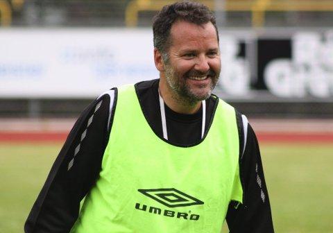 AKTUELL?: Etter hva HA erfarer skal Tor Thodesen, her fra tiden som hovedtrener i Moss FK, være aktuell som ny Kvik-trener.