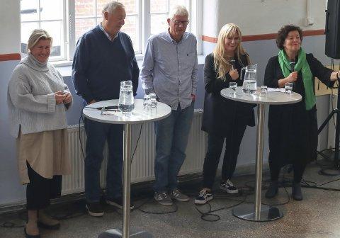 Guri Heftye (t.v.), Toralv Mikkelsen, Chris Tvedt, Marit Eikemo og Nina Kongtorp, frå det første styret mimrar om oppstarten og dei første åra. Anne Oterholm var og i styret, men vart forseinka, og er ikkje på bildet.