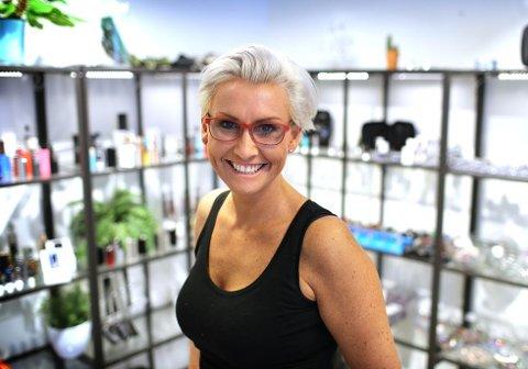 VAPEQUEEN: Innehaver av iSmokeKing i Strandgata Ruth Elin Vapequeen Bergum tilbyr sine kunder et oppbevaringssted for nikotinflasker til e-sigaretter.