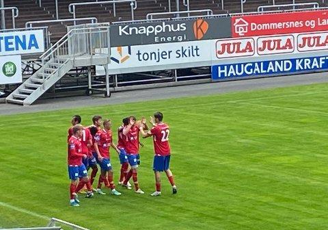 TRE NYE POENG: Vard tok en fortjent seier da Levanger besøkte Haugesund lørdag. Rødtrøyene vant 3-1 etter to scoringer av Eric Ndayisenga og en straffescoring av Erling Flotve Myklebust.