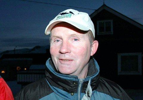 FORBANNET: Steinar Furøy er forbannet at Sørvær-samfunnet kan bli isolert for omverdenen i ukevis.