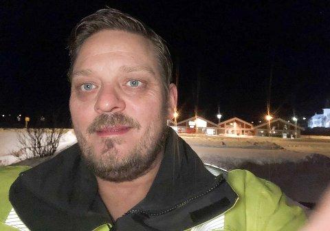ERFAREN: - Med flere tiårs erfaring på baken er Espen Nilsen (47) fra Kvalsund en habil snekker og maskinfører.