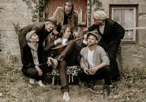 FOLKEKJÆRE: Vamp har høstet mye heder og ære i løpet av sine 26 år som band. Nå kommer de til Varangerfestivalen.