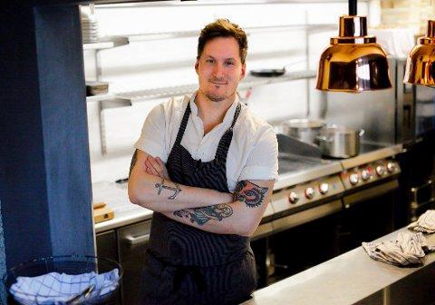 KJØKKENSJEF: Jørgen Ravnberg fra Alta gjør det stort i matfaget og er kjøkkensjef på populære Kolonihagen i Oslo.