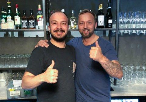 FORNØYD: Roman Fredriksen (til venstre) og Tommy Niska håper stedet kan bli det nye Redrum.