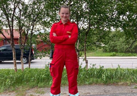 HiSTORISK: Maria Johansen og kullet hennes er de første som er ferdig med en bachelor i paramedisin på UiT.