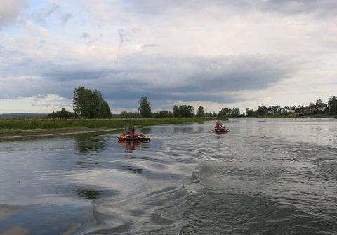 Bøtelagt: Disse to vannscooterførerne blir bøtelagt for ulovlig kjøring i Øyeren. Alle foto: Politiet