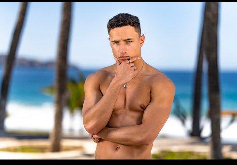 PARADISE HOTEL: Marius Santos Osmundsen (22) er med i årets utgave av Paradise Hotel. Han gru-gleder seg til å se seg selv på skjermen, forteller han.