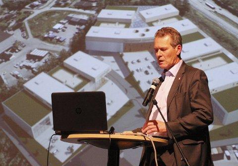 Bentsrud: Ordfører Alf Johan Svele ser fram til at Bentsrud kan fortsette utviklingen mot et enda mer pulserende område for nye  næringsaktører. Aktiviteten er stor for å selge inn konseptet for ulike bransjer. Begge foto: pål Nordby
