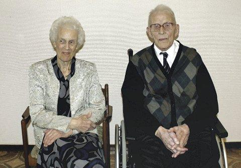 Atombryllup: Aslaug (95,5) og Hjalmar Gregersen (106,5), hadde vært gift i 75 år 12. desember 2017.