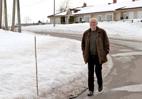 TAR SIN HATT OG GÅR: Etter over 50 år som medlem i Human-Etisk Forbund har en provosert Lars Gunnar Lingås meldt seg ut.
