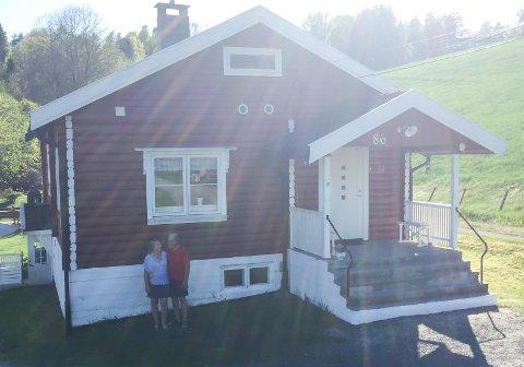 Tømmerhuset i Voldenveien 86 rommer historie fra begravelse, bryllup, bjørkeris og bad.