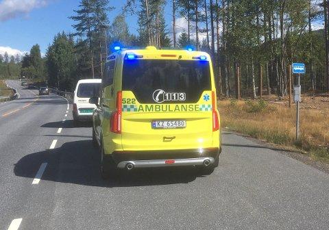 ULYKKE: Sammenstøtet mellom bilen og syklisten ved gården Belgen i Svene i Flesberg kommune.