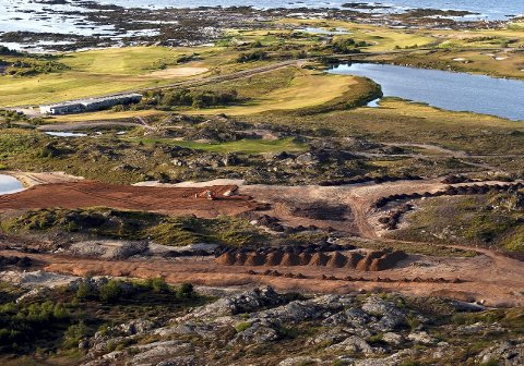 Lofoten golfbane: Det er falt dom i en tvist mellom Lofoten Golfbane AS og entreprenøren om arbeider på golfbanen.Foto: Hugo Johansen