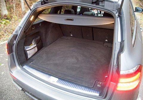 Slik er bagasjerommet på en vanlig E-klasse.