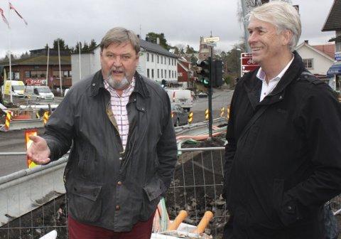 NYE PLANER: Stein Nordbø (t.h.) og BU-leder Arve Edvardsen i Sæterkrysset under byggeperioden i våres.FOTO: Aina Moberg