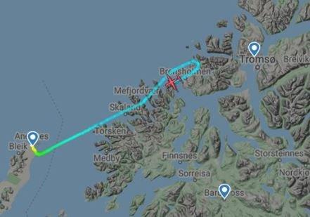 MÅTTE RETURNERE: WF 862 fra Andenes til Tromsø måtte avbryte flyvningen over Kvaløya tirsdag formiddag.