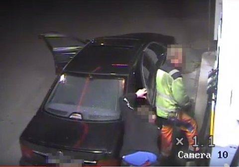 OPPTAK: I retten ble en overvåkingsvideo fra bensinstasjonen bare 300-400 meter fra Nils Olav Bakkens hjem, lagt fram som bevis. Arkvbilde