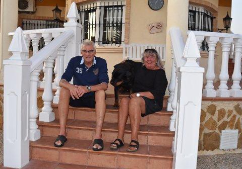 FØLGER MED: Nils Harald og Kari Lie følger med på opprullingen av NAV-saken. Selv har Nils Harald fått igjen pengene sine, men venter på rettslig frifinnelse.
