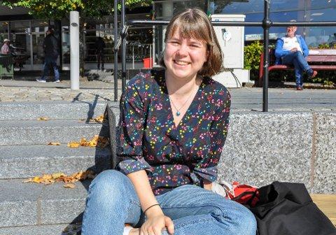 ENGASJERT: Sunniva Maria Roligheten (20) fra Larvik sitter i år som leder av Hovedkomitéen i Operasjon Dagsverk, og leder dermed 3000 frivillige gjennom Norges største solidaritetsaksjon av, med og for ungdom.