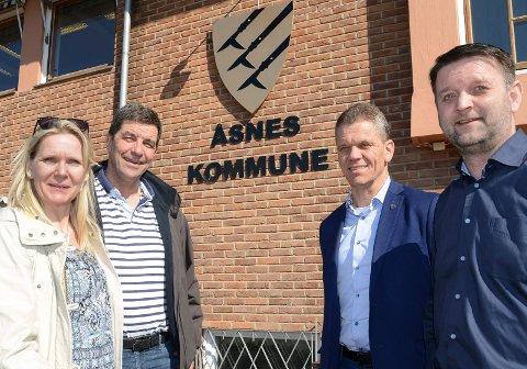 BRA LØSNING: Fra venstre daglig leder i Solør Næringshage, Anette Strand Slettmoen, styreleder Gunnar A. Gundersen, rådmann i Åsnes, Stein Halvorsen og orfører Ørjan Bue. De tror alle på den nye organiseringen.